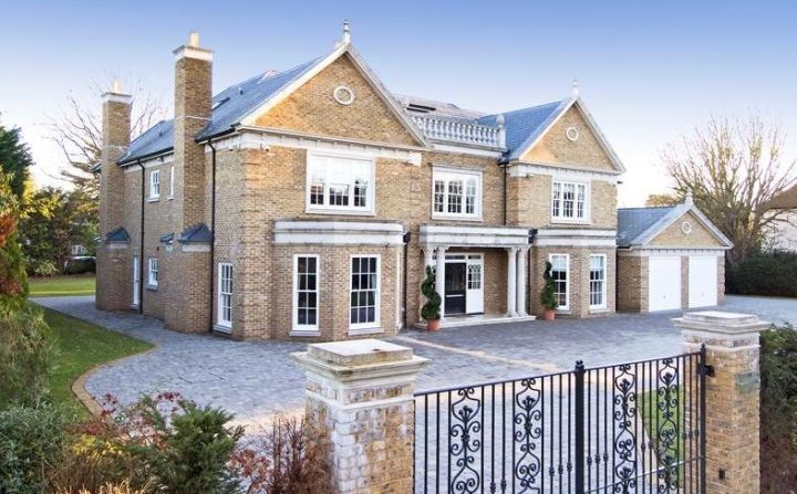 Sunnydale Farnborough Park Kent Br6 8lz 3 750 000 Guide Price House Outside Design Luxury Homes Dream Houses House