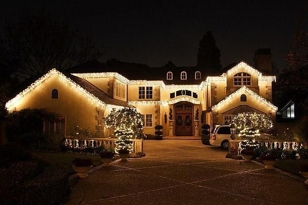 Decorating Design Front Yard Landscaping Christmas Light Ideas Outdoor Hawaiian Decorations 600x400 House Outside