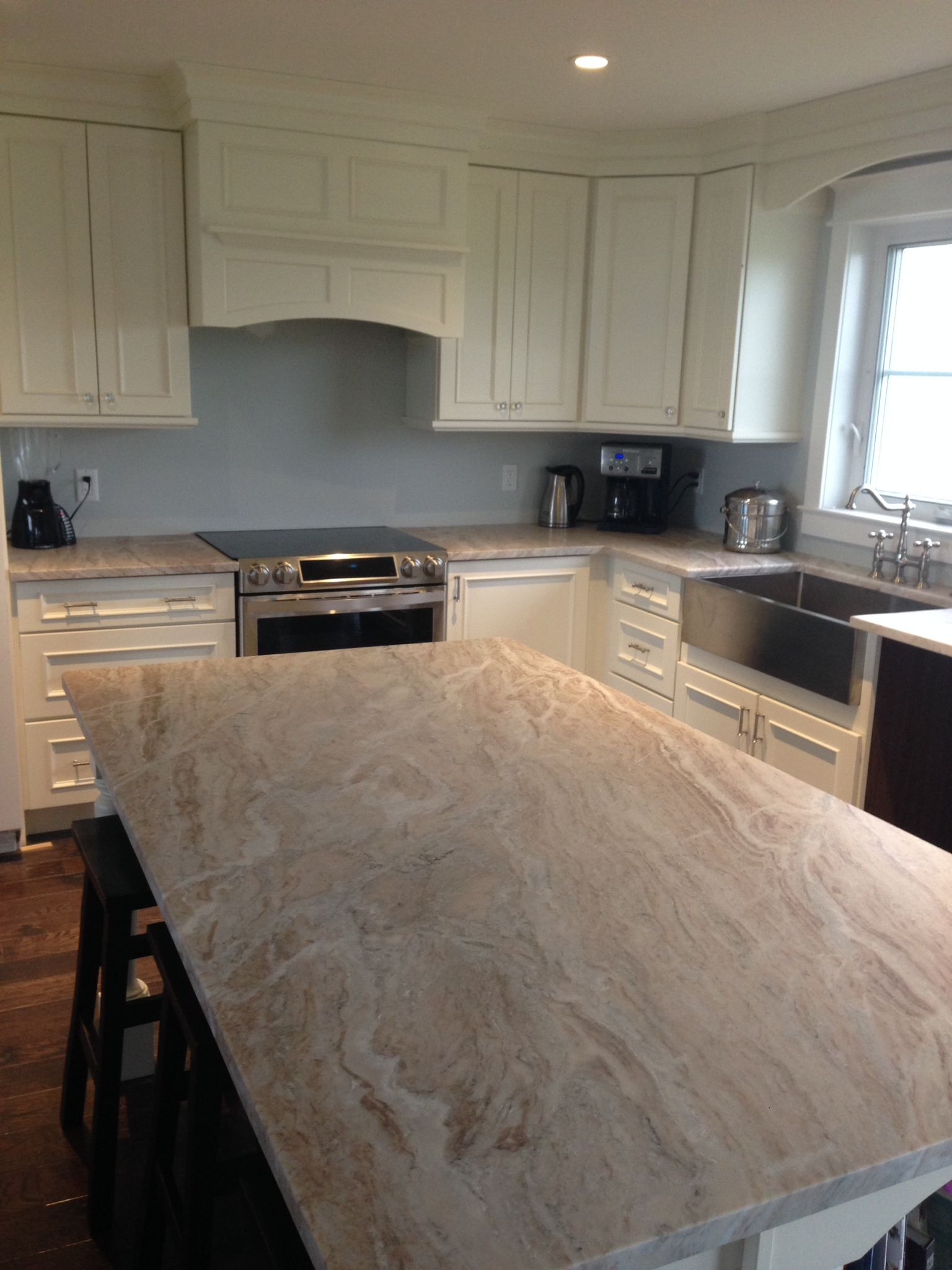 Fantasy Brow Quartzite Counter With Leathered Finish Kitchen