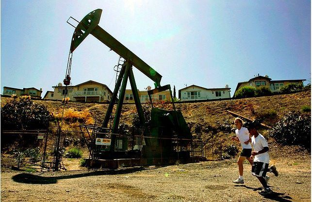 Mapping All 3 000 Of Los Angeles S Active Oil Wells Mad Scientist