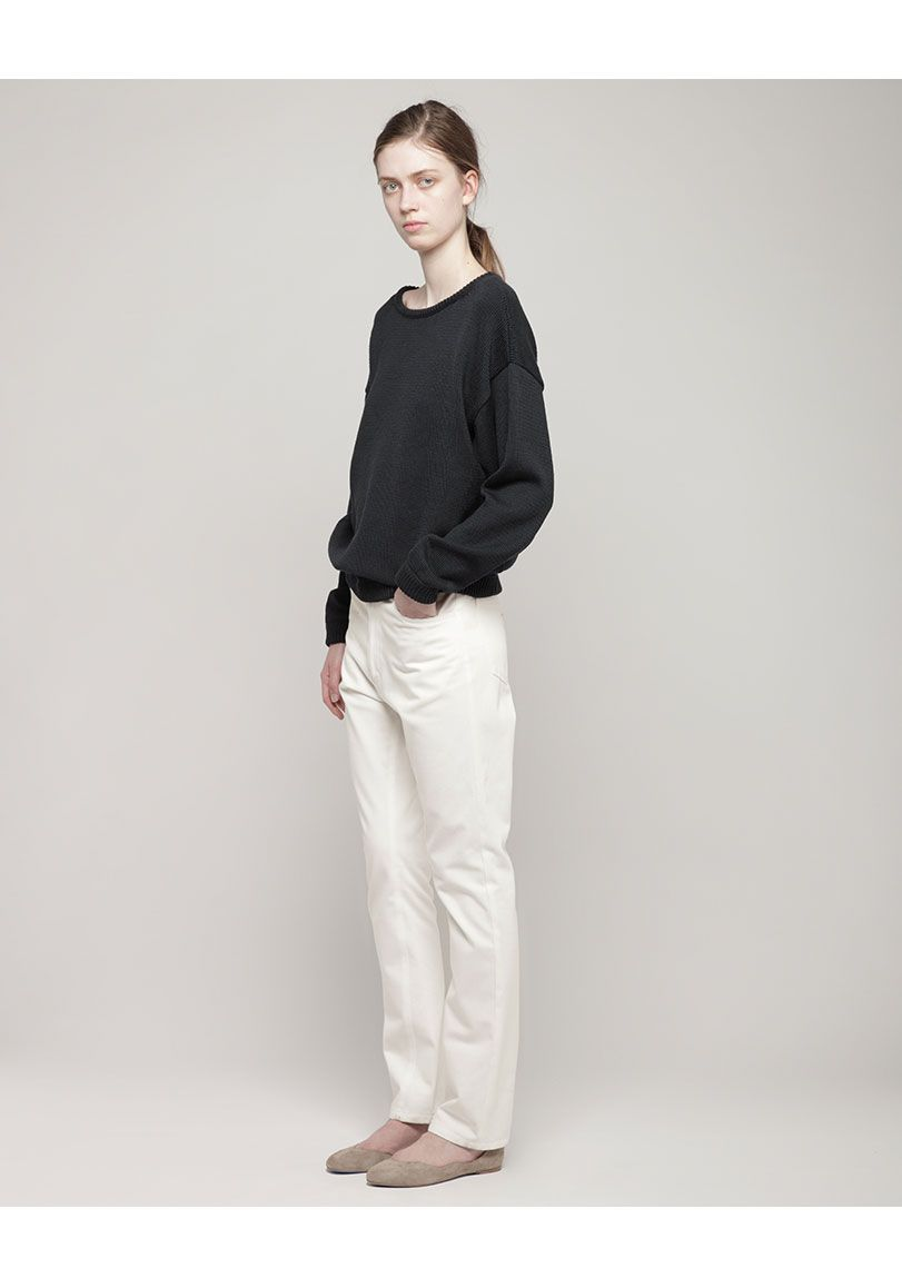 La Garçonne Moderne /  Relaxed Tapered Jeans + Pullover