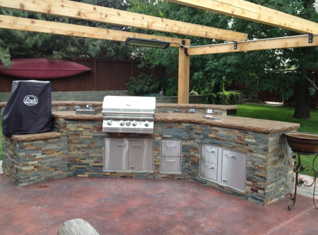 Beautiful Easy To Build Outdoor Kitchen Made With High Quality 20 Gauge G 90 Galvanized Steel Fun Project F Bbq Island Kits Bbq Island Build Outdoor Kitchen