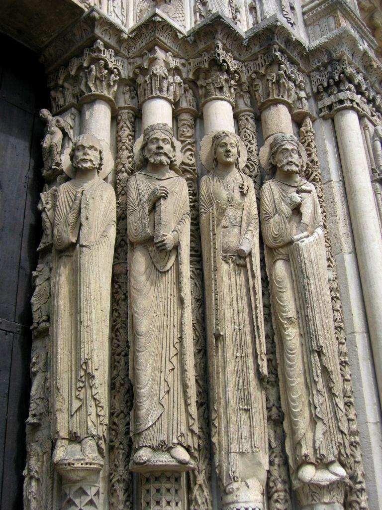 P rtico real de la catedral de chartres vista de la Estatuas decoracion