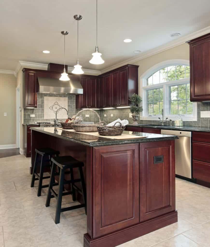 80 Craftsman Kitchen Ideas Photos In 2020 Traditional Kitchen Cabinets Cherry Wood Kitchen Cabinets Traditional Kitchen Design