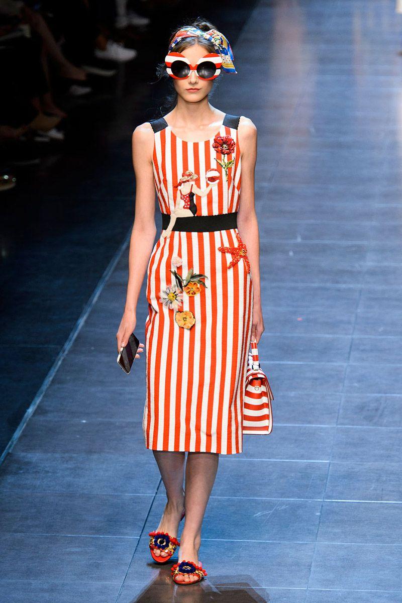 Kinda 50's vintage and kinda not. Kinda LOVE! Dolce & Gabbana - HarpersBAZAAR.com