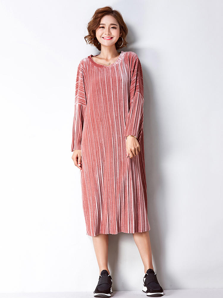 0495aa26136 Plus Size Women Elegant Gold Velvet Dress in 2019