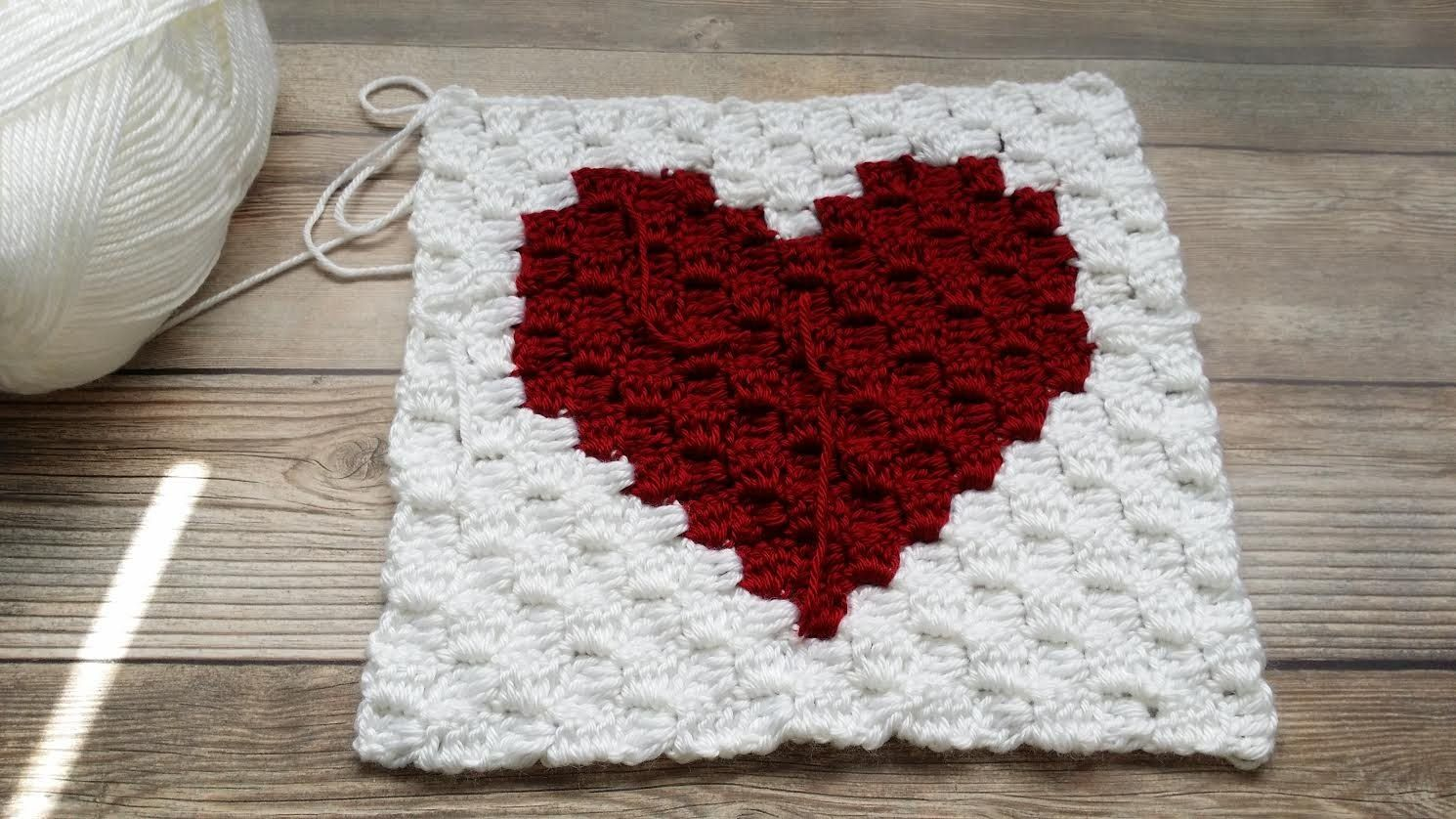 How to #Crochet a C2C (corner to corner) Heart Square Graph (VIdeo 2 ...