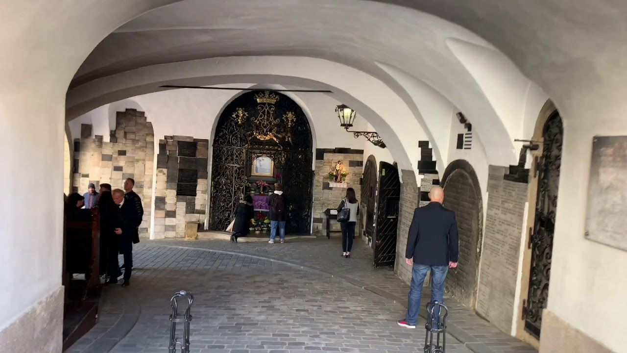 This Is The Stone Gate In Zagreb Croatia Its 1 Of The Top 10 Tourist Locations Eric Clark S Travel Videos Zagreb Travel Videos Zagreb Croatia Zagreb