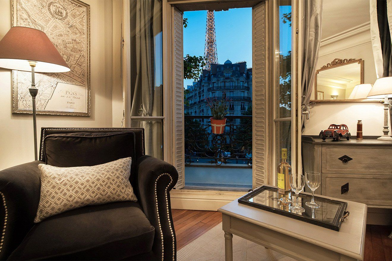 Rent Our 1 Bedroom Apartment Volnay In The 7th Arrondissement Near The Eiffel Tower And Cha Paris Apartment Interiors Parisian Interior Paris France Apartments