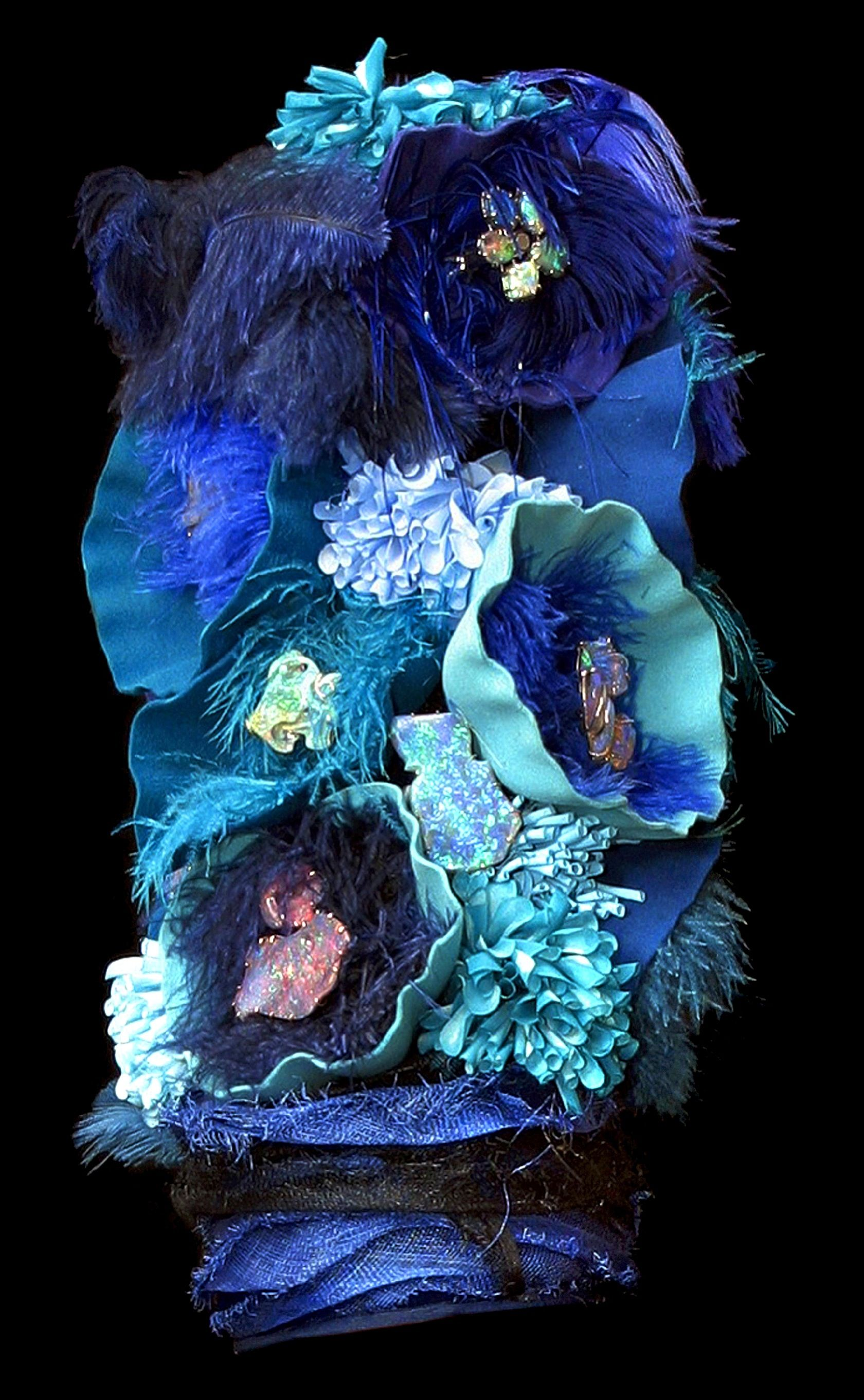 Inspired by the undersea life of Australia\'s Great Barrier Reef ...