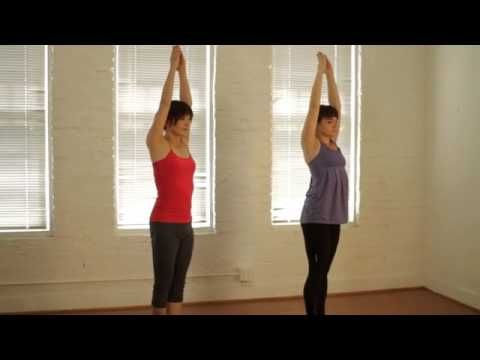Get Fit Yoga Beginners Bikram Yoga Instructional Video Guides You Through All 26 Postures Of The Popular Series Con Immagini