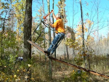 Deer stands whitetail deer hunting tree stand ideas for Tree stand ideas
