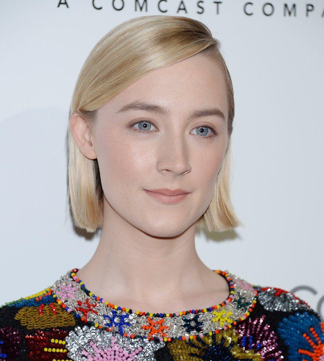Pin by ̗̀ ɱɑrıssɑ ɑɳɳɛ ̖́ on ⋆ Saoirse Ronan ⋆ Woman