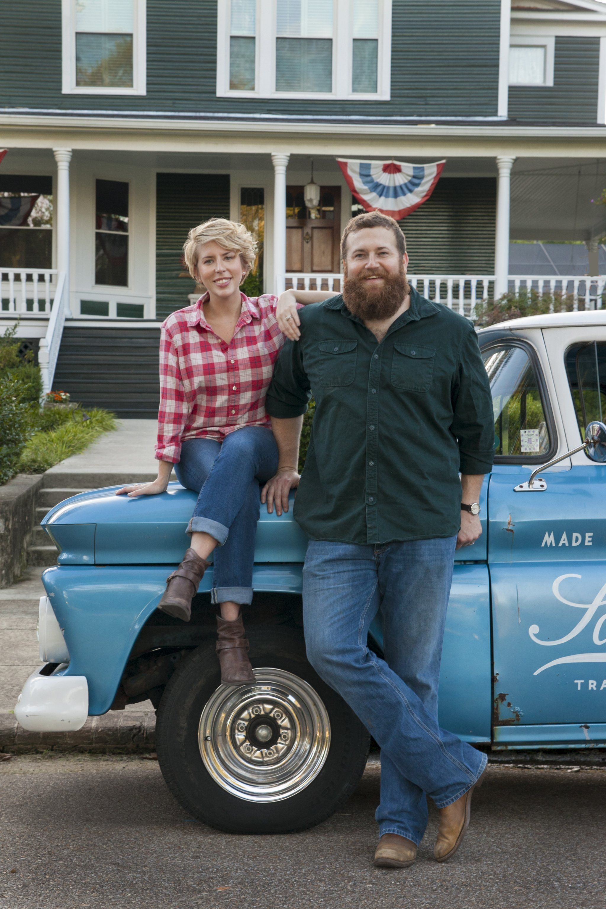 The Real Town Behind Hgtv S New Hit Show Home Town Home Town Hgtv Erin Napier Show Home