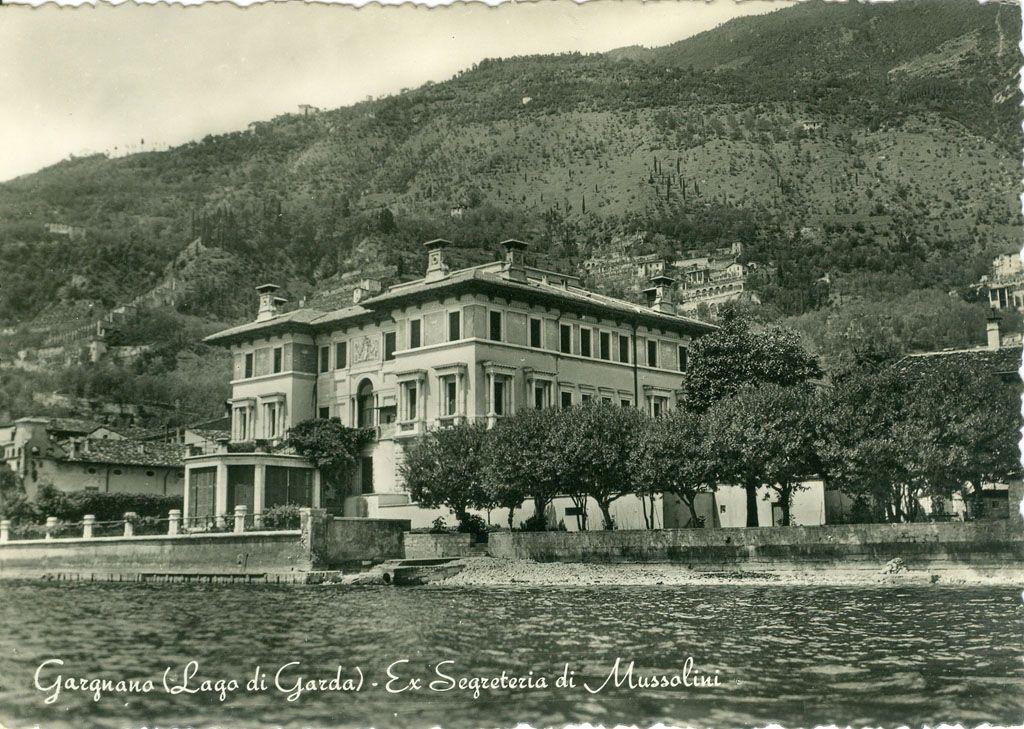Titolo foto: Lago di Garda; Autore foto: F. Micheletti; Fonte: archivio personale di Ruggero Manara; Anno: anni 50; Gargnano (Lago di Garda) Ex segreteria di Mussolini. http://goo.gl/QWMUbq