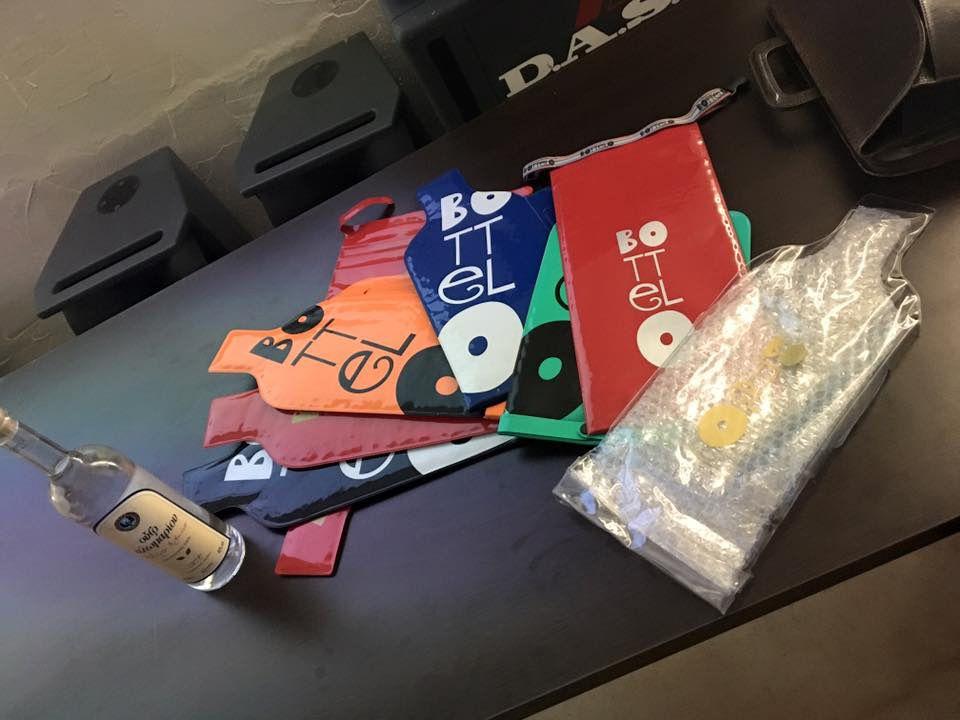 Estas son algunas de las fundas que llevamos ayer a la charla en la Escuela Superior de Diseño. ¿Qué os parecieron?