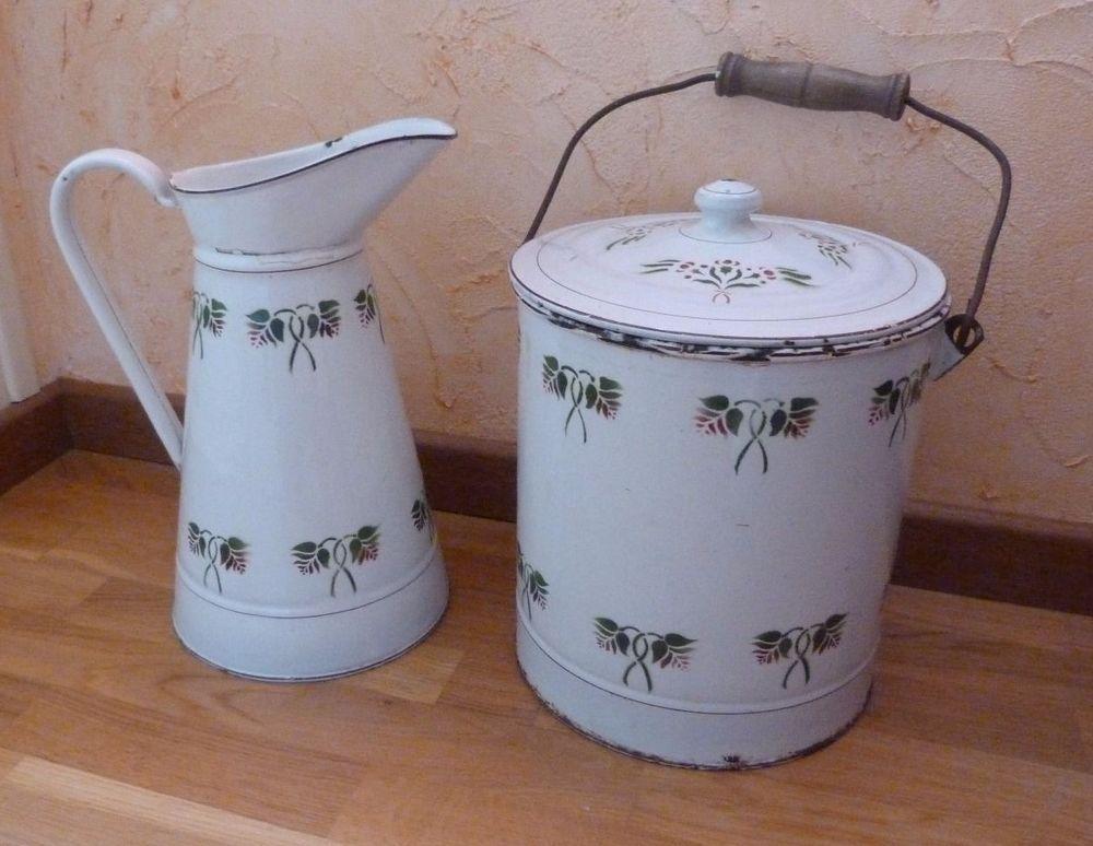Broc Ou Pichet Ancien Emaille Pot De Chambre Emaille No Cafetiere Emaillee Pichet Pots Cafetiere