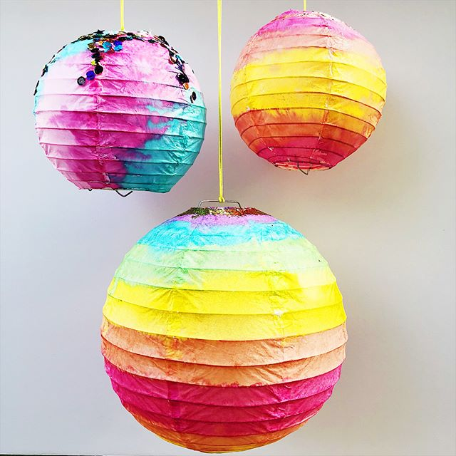 Painted Paper Lanterns In 2020 Paper Lanterns Painted Paper