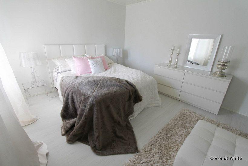 Coconut White: Riviera Maison ruskeanharmaa turkistorkkupeite
