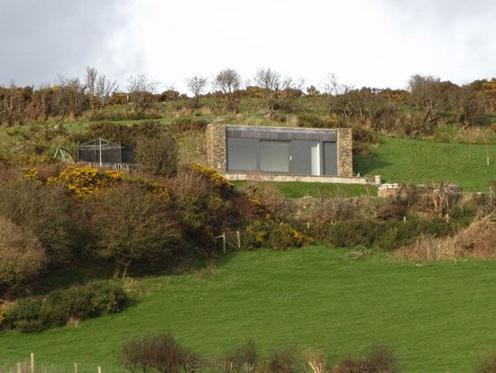 24 Eco Friendly Houses Made With Natural Materials Eco Friendly