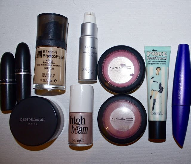 barefoot blonde's daily makeup routine...love her look!