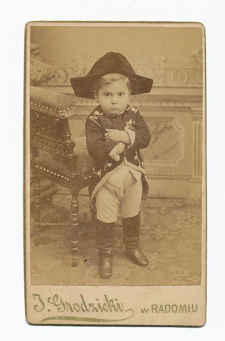 :::::::::: Antique Photograph ::::::::::   This kid cracks me up!