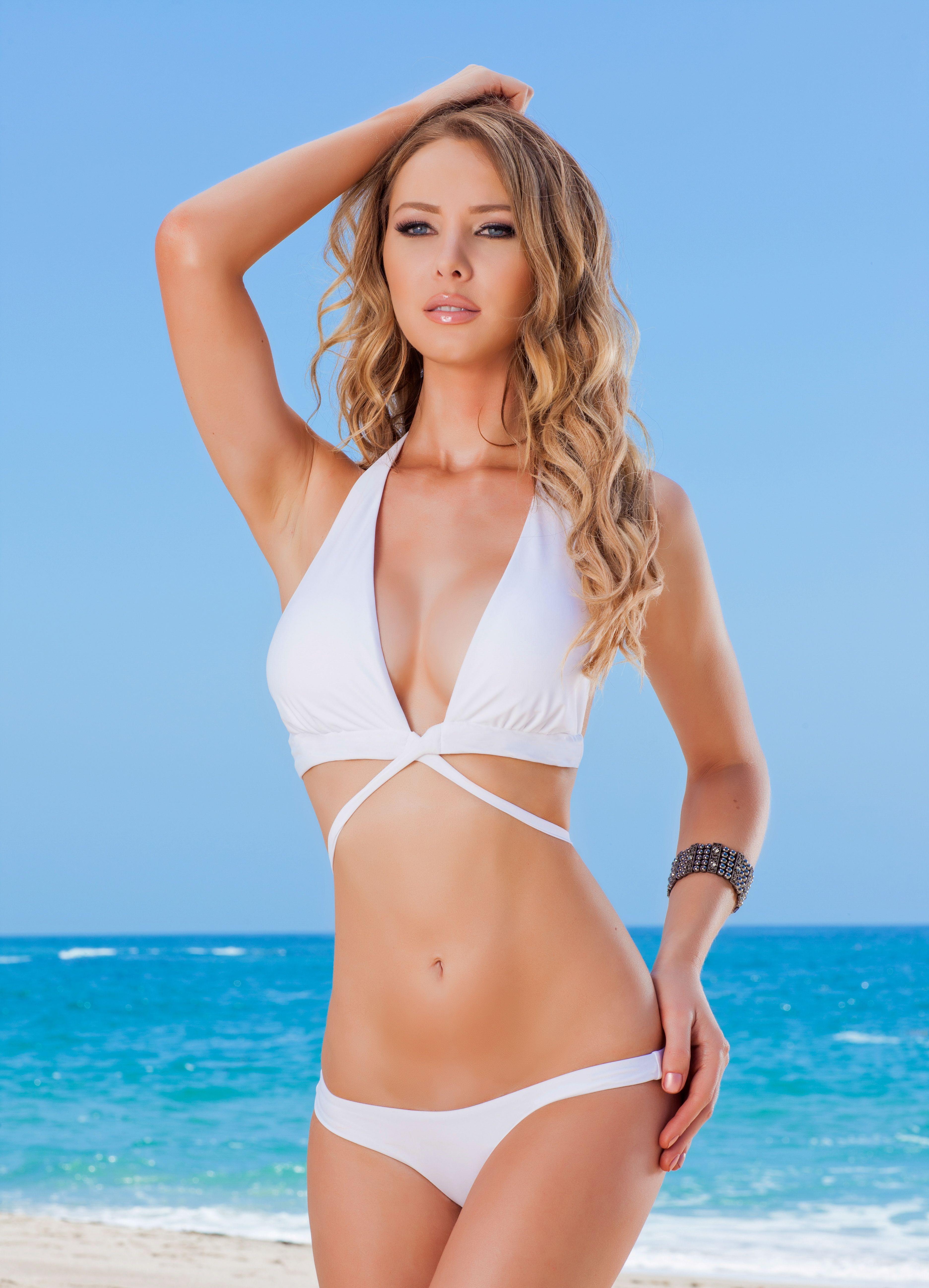 Vanna white bikini swimsuit pictures