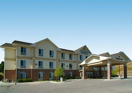 The Comfort Inn Suites Hotel In Rapid City Sd Is Near Mount Rushmore National