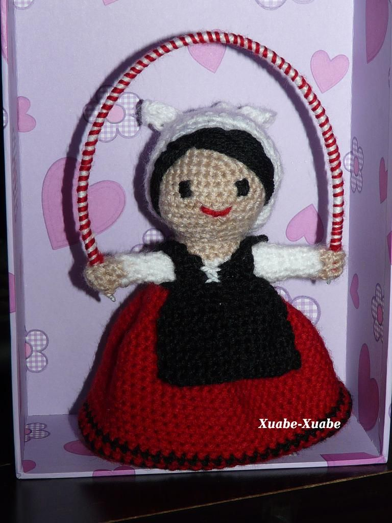 Amigururmi dantzari chica (http://xuabe-xuabe.blogspot.com.es/)