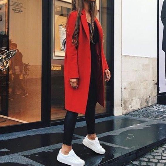 Look femme manteau rouge