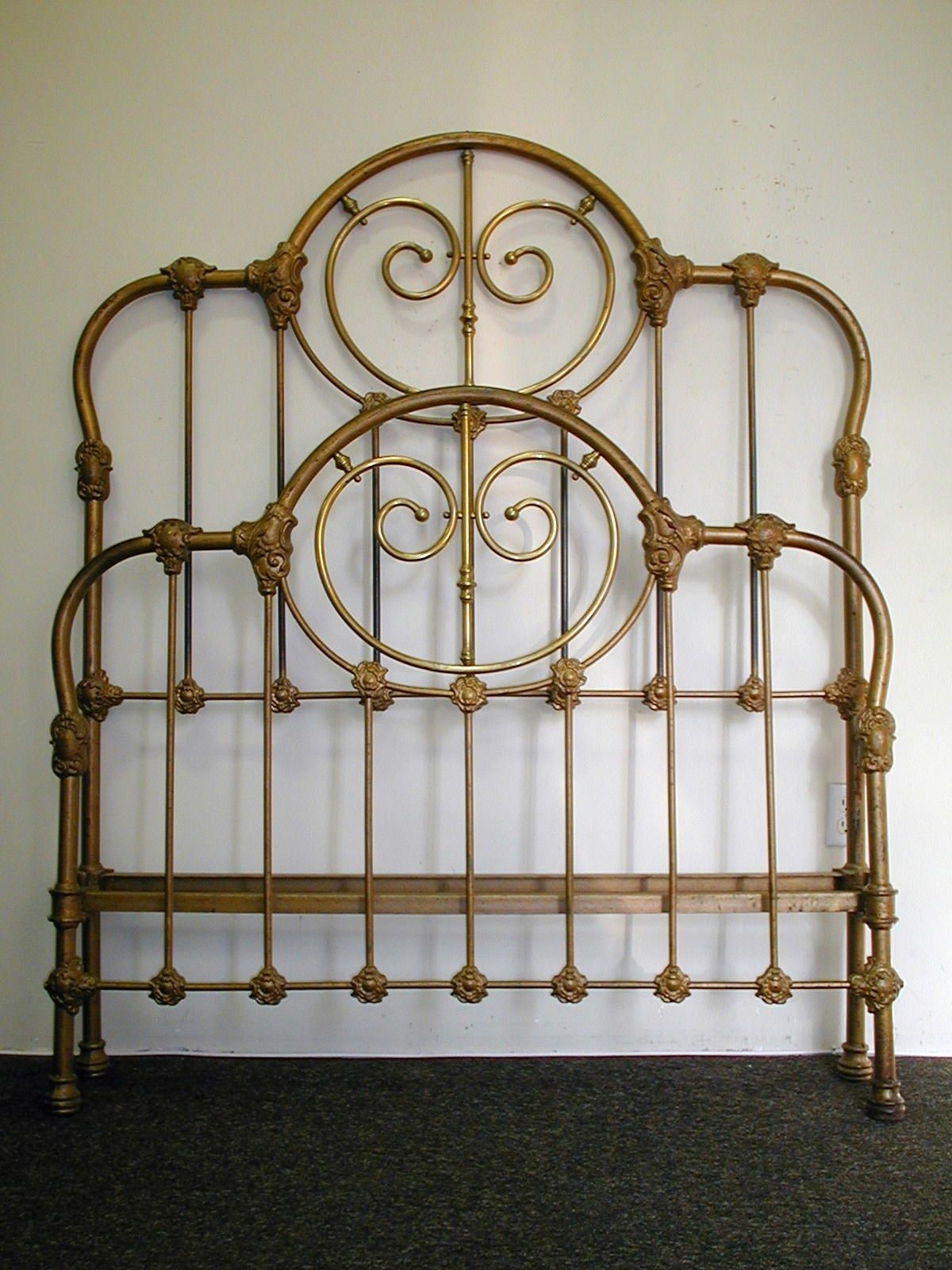 Heavy Gauge Tubing W Scrolled Brass And French Side Curve Circa 1865 Ironbeds Antiqueironbeds Antique Iron Beds Iron Headboard Iron Bed