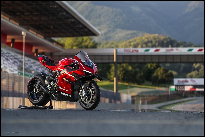 Wallpaper Ducati Superleggera V4 R Rangka Carbon Fibre Road Legal Pertamax7 Com Di 2020 Serat Karbon Ducati Motogp