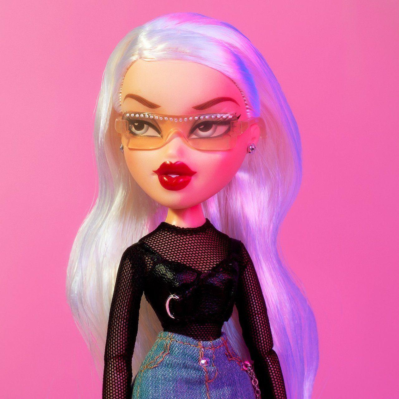 Bratz Cloe Red Lips Google Search Brat Doll Bratz Doll Bratz Girls