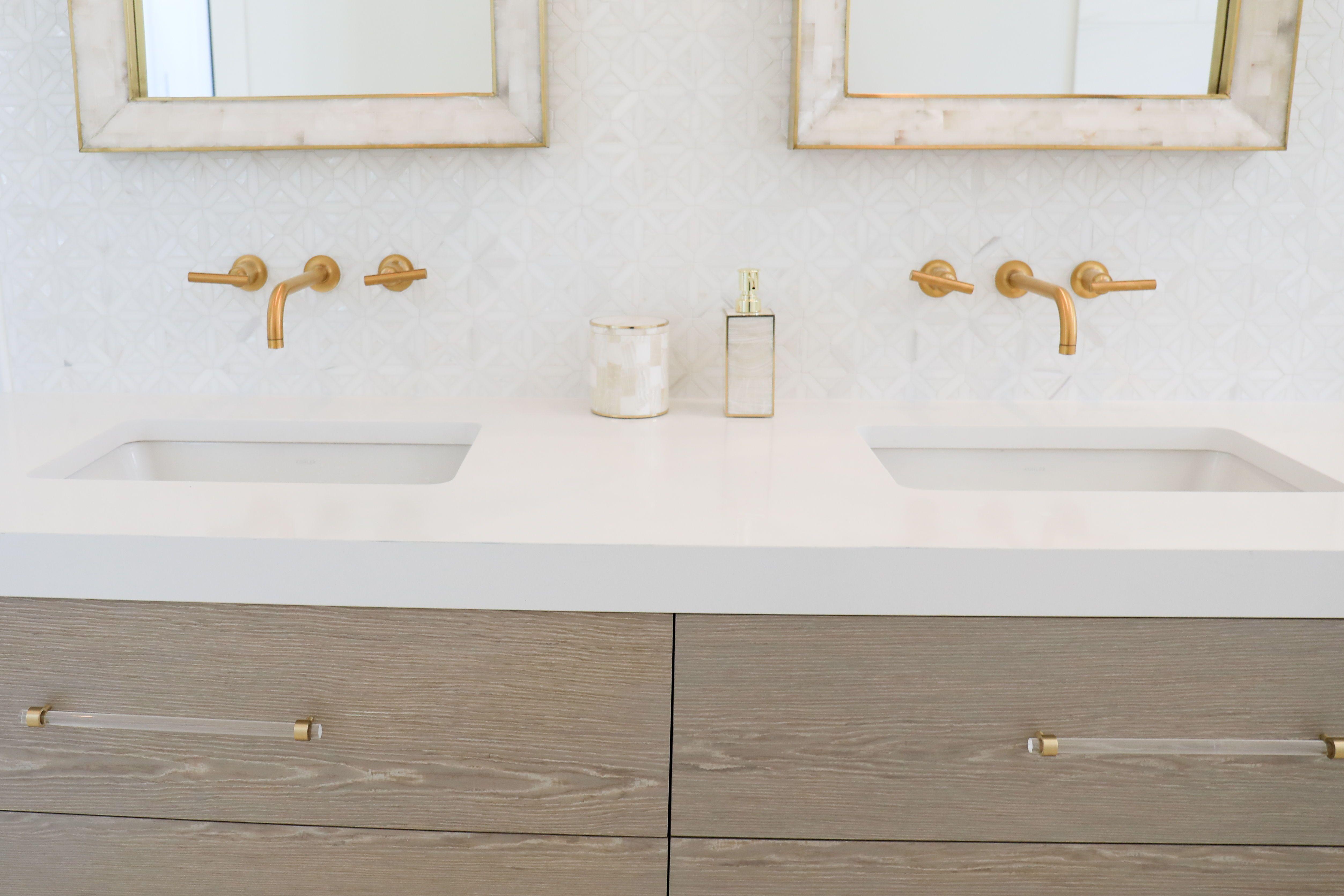 Lucite Drawer Pulls Crown Post 3 4 Dia Polished Brass Or Satin Brass Lucite Drawer Handles Luc Drawer Handles Cabinet Handles Bathroom Hardware [ 3341 x 5011 Pixel ]