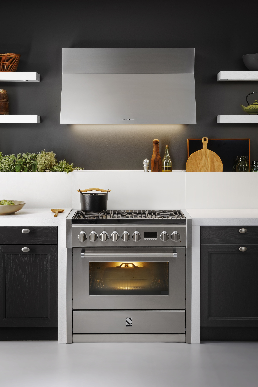 schwarze designer-küche: moderne küche im skandinavischen stil ... - Moderne Kche Mit Kleiner Insel