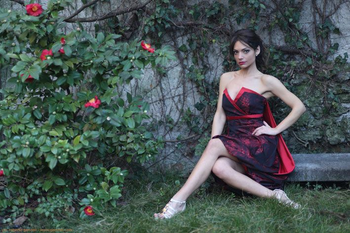 abito rosso & fiori rossi