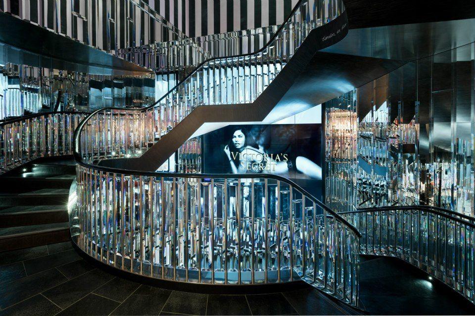 Victoria 39 s secret new bond street store with video store design shop - Boutique vintage londres ...