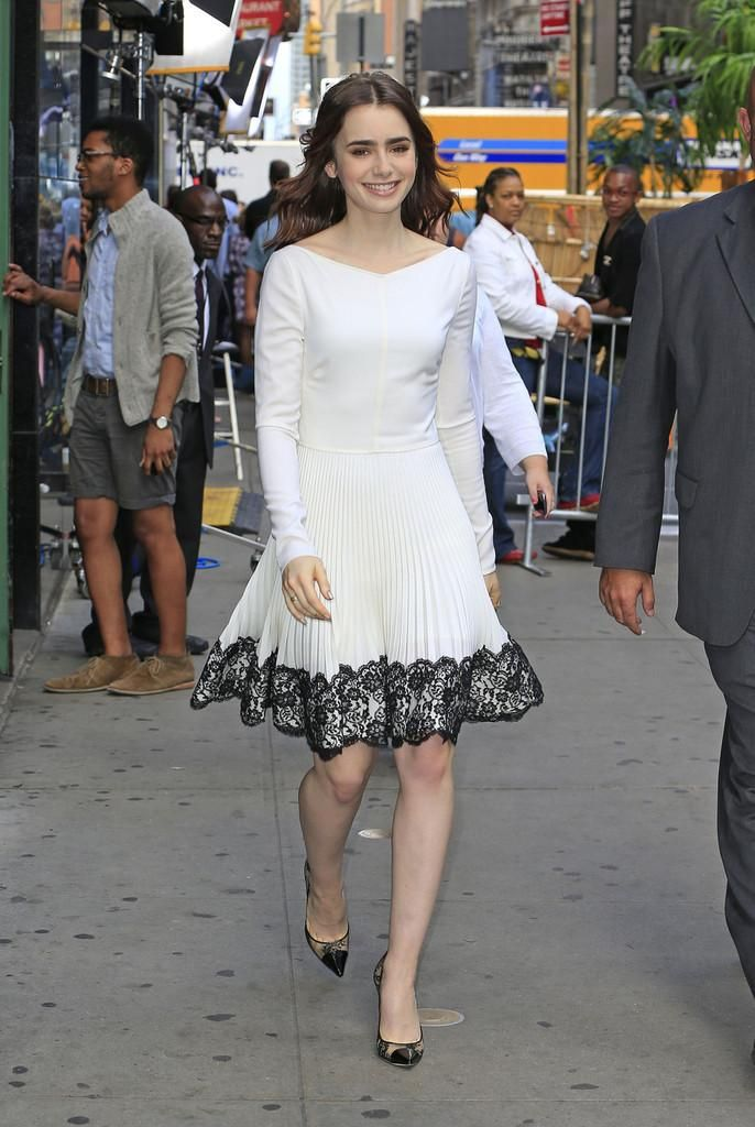 Lily Collins' romantic daytime look.