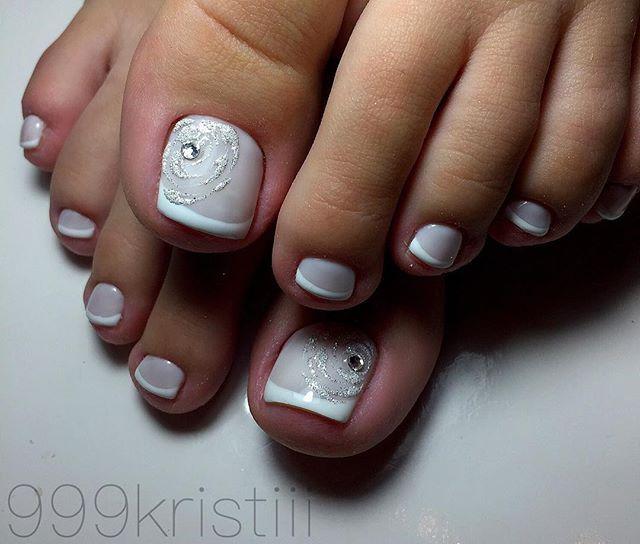White Silver Toe Nail Art Toe Nails Toe Nail Art Pedicure Designs
