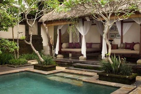 Gazebo And Pool At Ubud Village And Spa With Green Sukabumi Stone Pool And Palimanan Stone Steps Bali Dekorasi Rumah Desain Rumah
