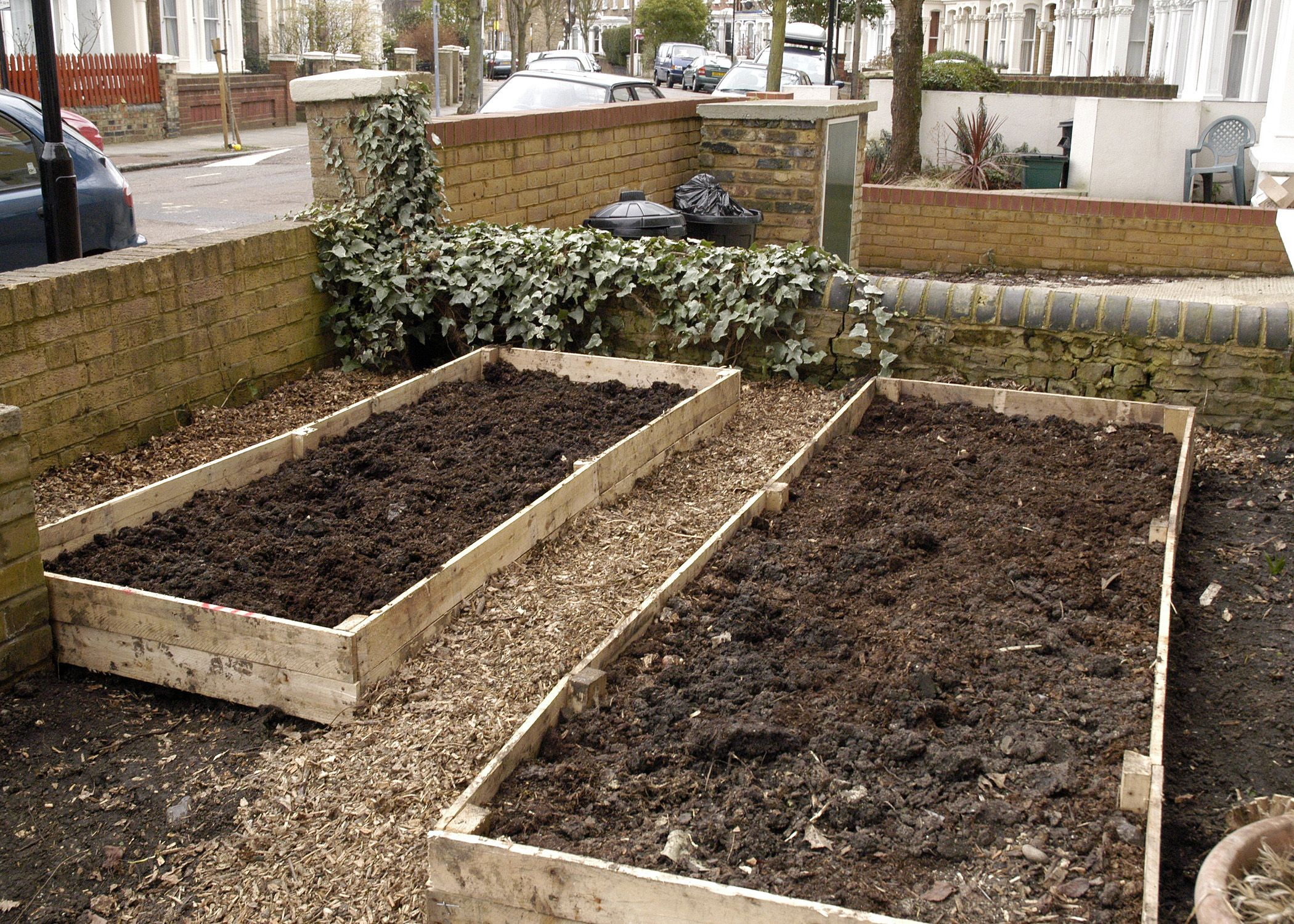 2 Raised Beds From Palettes Easy!