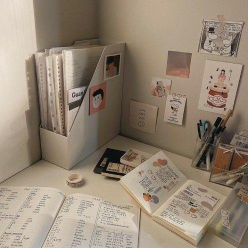 Н©ð¢ð§ððžð«ðžð¬ð C Нƒð«ðžðšð¦ðžð« In 2020 Study Room Decor Study Desk Decor Aesthetic Room Decor