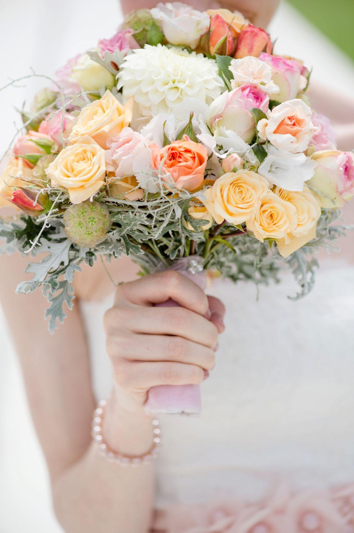 Brautstrau Brkle Grtnerei wedding bouquet flowers