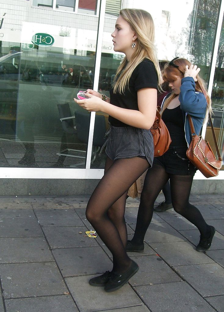 Girls Wearing Nylon Stockings