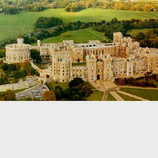 Biggest House Ever >> Biggest House Ever Dream Rooms Windsor Castle Castle Castles