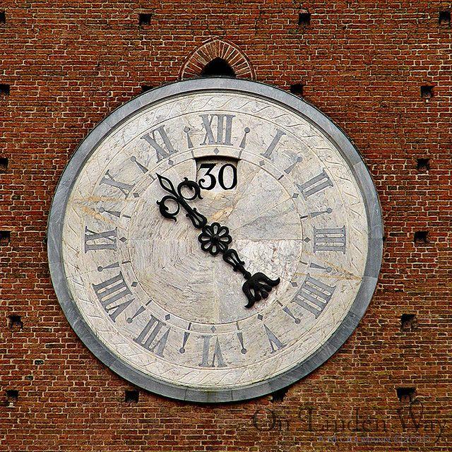 10 30am Ten Thirty Siena Italy World Clock Clock Clock Tower