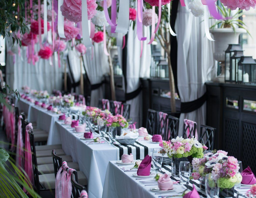 This Fashion Bloggeru0027s Bridal Shower Is The Definition Of Feminine And  Floral