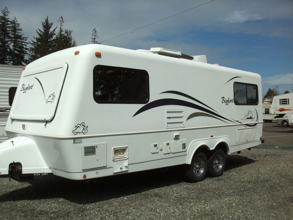 Airstream For Sale Bc >> Big Foot travel trailer. Fiberglass, light, compact, what's not to love? The best of the small ...