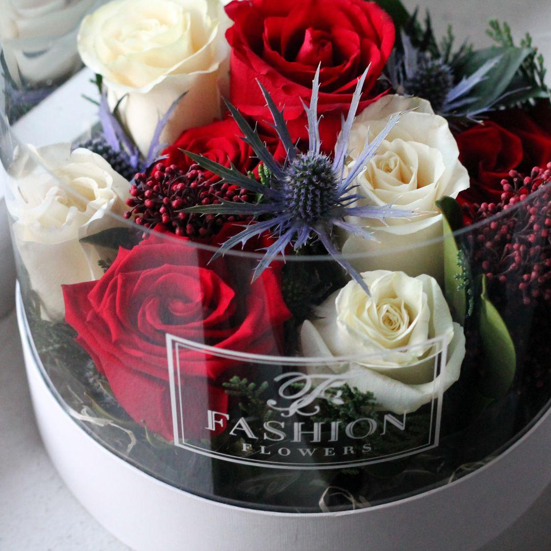 Kogda Samye Krasivye Cvety Vossoedinyayutsya V Prozrachnoj Korobke Eto Nastoyashaya Lyubov Flower Box Gift Flower Boxes Modern Flower Arrangements