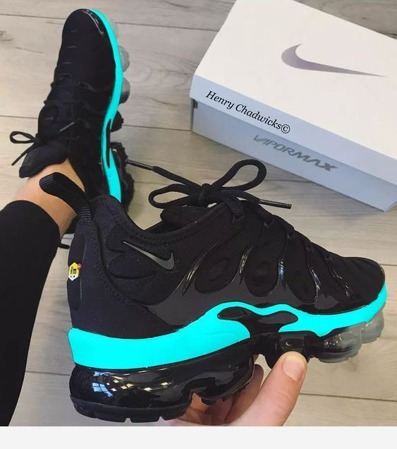 Nice black sneakers | Sneakers fashion
